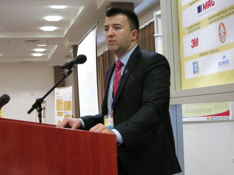 Милан Тешић
